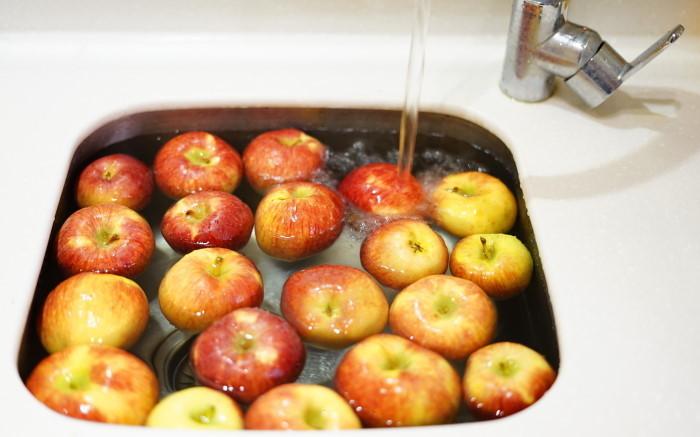 treba li dezinfikovati hranu pranje jabuka