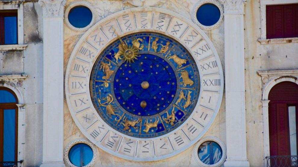 Kako izračunati podznak u horoskopu?