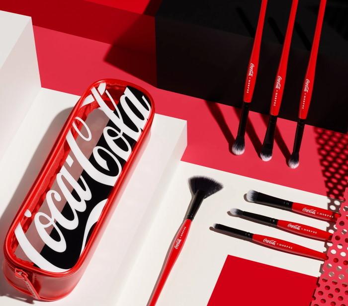 coca cola šminka četkice