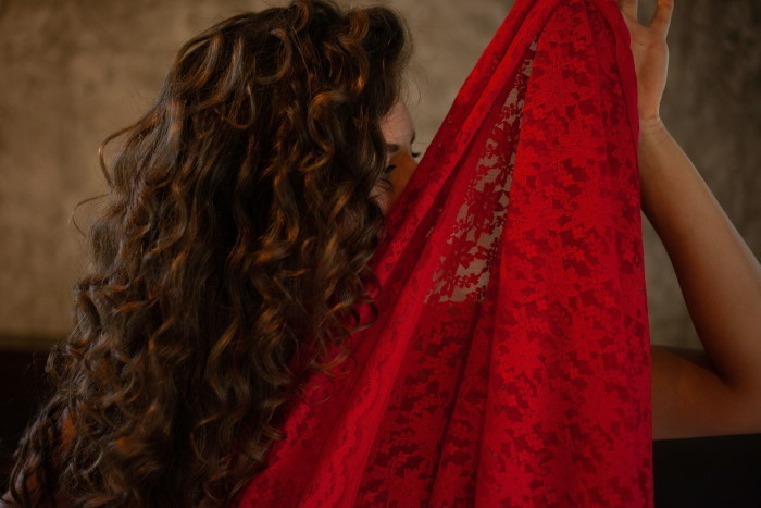 ženski seksipil duga kosa