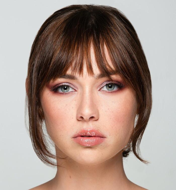 devojka sa lepom kožom lica