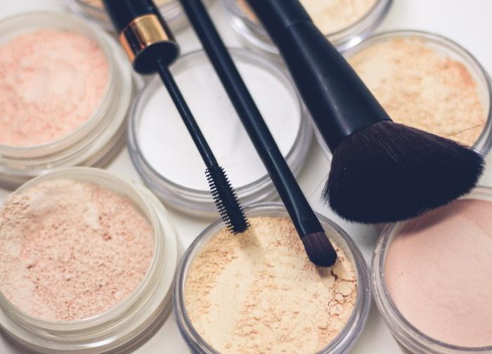 šminka za masnu kožu lica