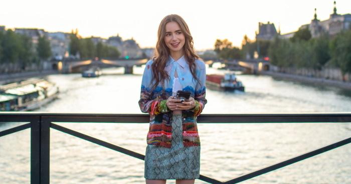 emili u parizu na mostu