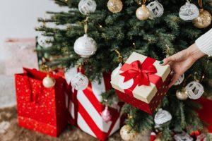 Kreativne ideje za brzo i efikasno pakovanje poklona