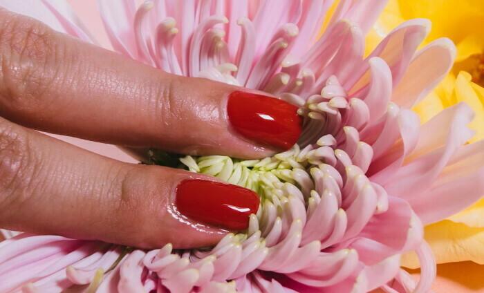 prsti na cveću