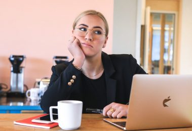 Kako stvoriti zdravu rutinu rada od kuće?
